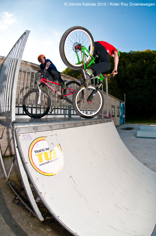 Nose pick. And Loek standing on the quarter. Shot for Canadian Dirt Imports / Cove Europe.
