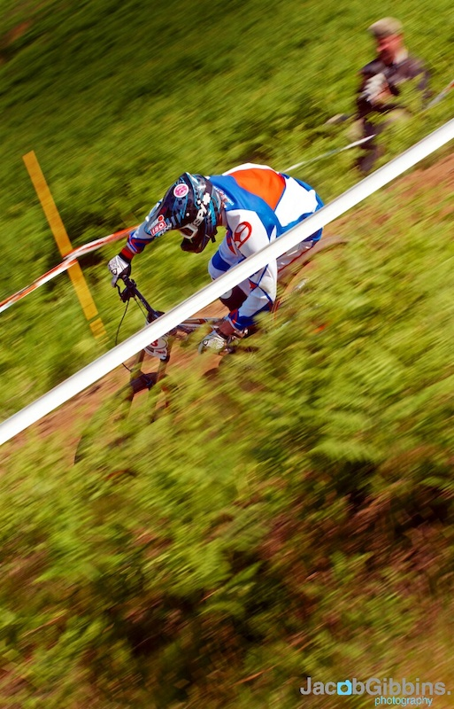 UK pinner Rich Thomas on his way to a 6th on the day