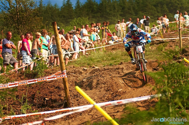 Being so close to a town, and with good weather, the crowds were out for finals at Rd 3