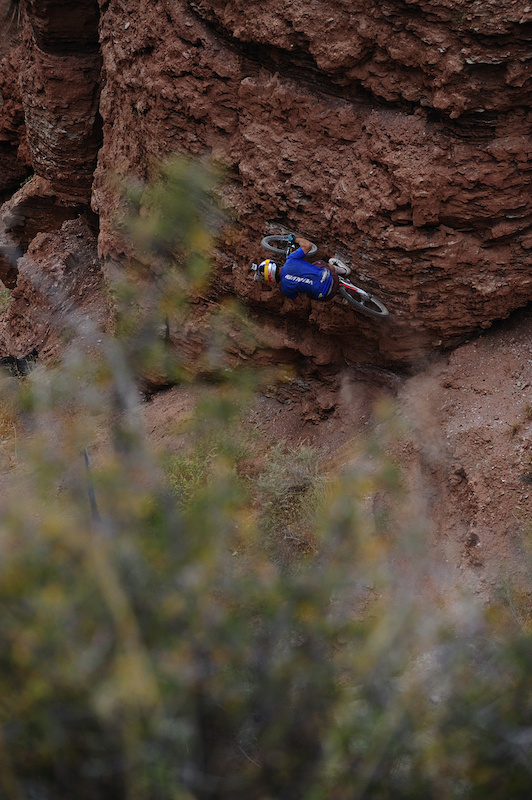 The wallride that got Darren the Bike Magazine cover for the 2008 Red Bull Rampage.