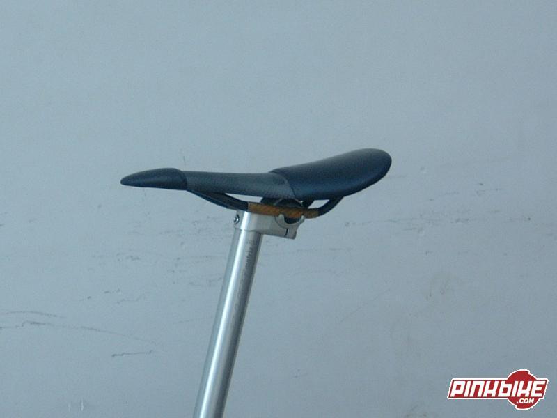 Tune speednedle saddle and X lite metal matrix seat post