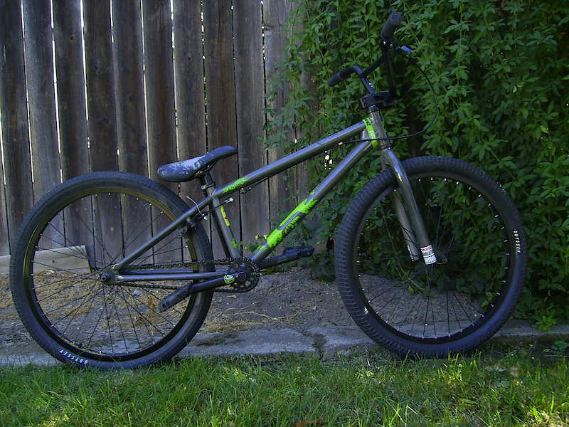 the sexy cygnus as she stands now new front wheel, cranks, stem, bars, grips, and tires.