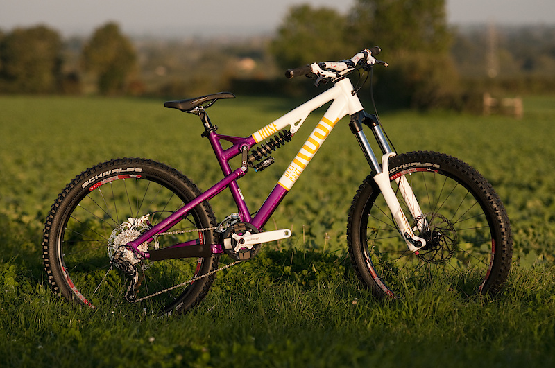 The Rose Beefcake in its freeride set up.  Katy will be running the SL version of this frame next year, while the Rose Flow Team will be running a race ready version of this bike.