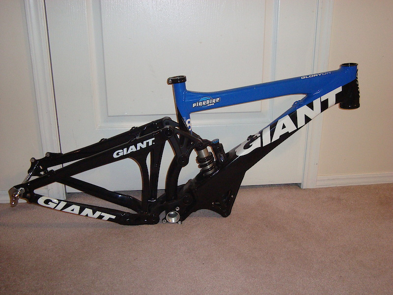 2009 Giant Glory Frame Small. Ridden for only the 09 season. Frame has a complete new set of bearings. Comes with headset, 2 shock bash plates, 2 coils (350 & 450). Asking $850 *OBO*.