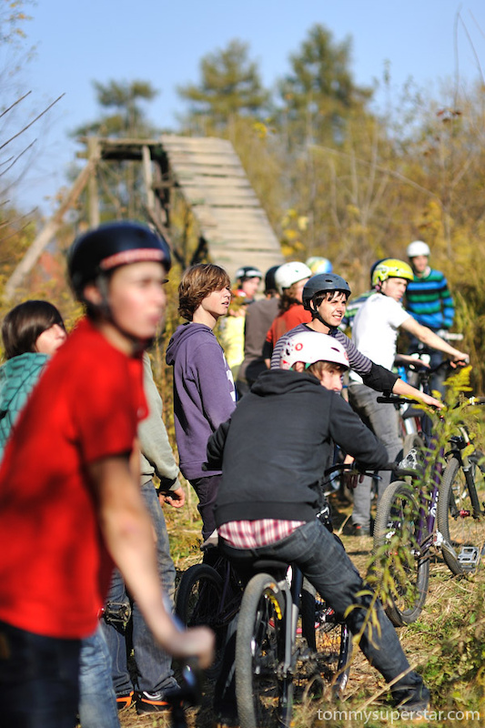 Under Construction Jam in great autumn scenery of Maro's trials in Tarnowskie Gory. Supported by Dartmoor. Photo by: tommysuperstar.com.