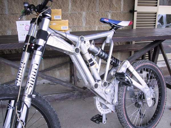 "Onion Bikes Dh/Freeride Prototype ""1000 Pipes"".jpg"
