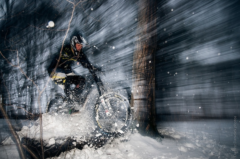 Winter DH in snow.
