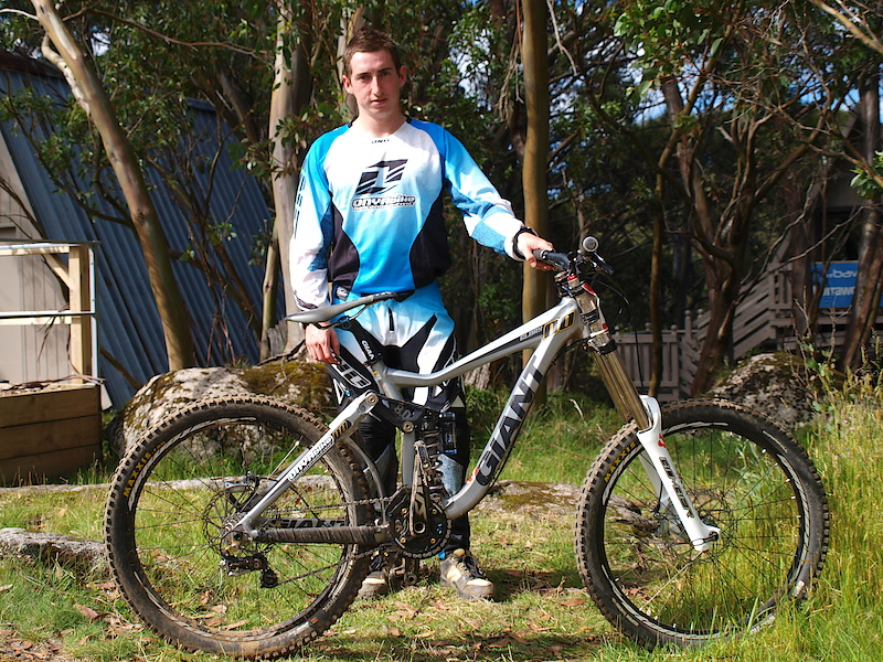 Giant Glorys are one of the most popular privateer bikes on the Australian circuit, not so common is the use of Marzocchi forks