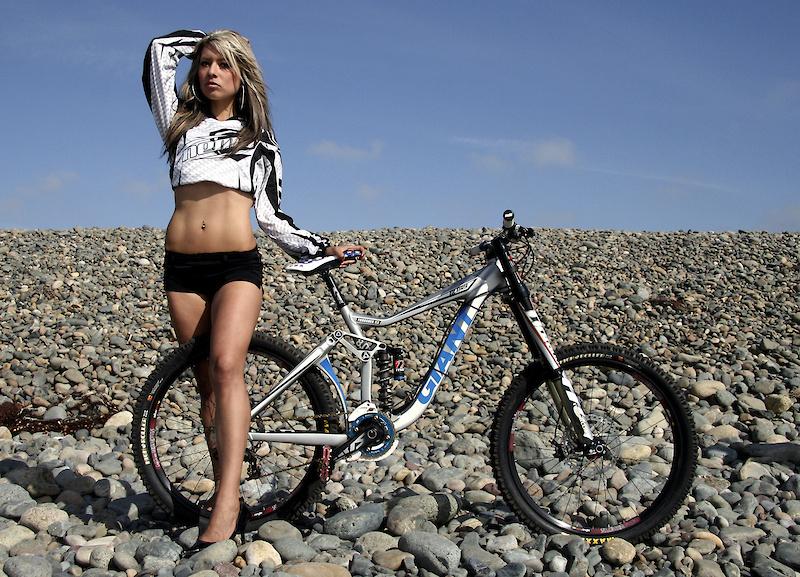 Nude women mountian bikers wallpaper can