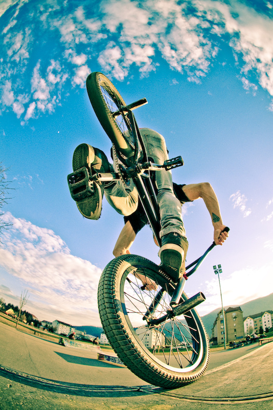 cross processed picture of a footjam