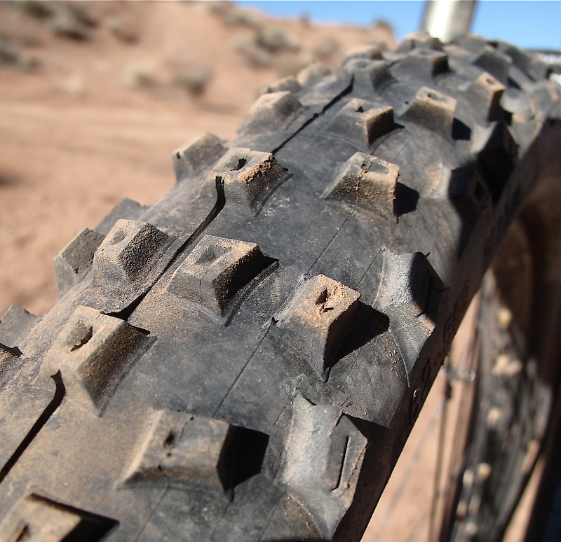 <span style='font-size:18px'>The Rocket Ron's soft compound and flexible knobs do not perform well on hard packed trail surfaces, but stick like Velcro in soft dirt