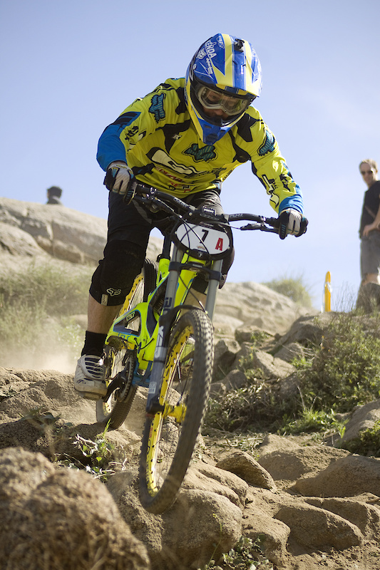 Eric Carter proves that old guys can still rip, 1st for the weekend, 4th overall