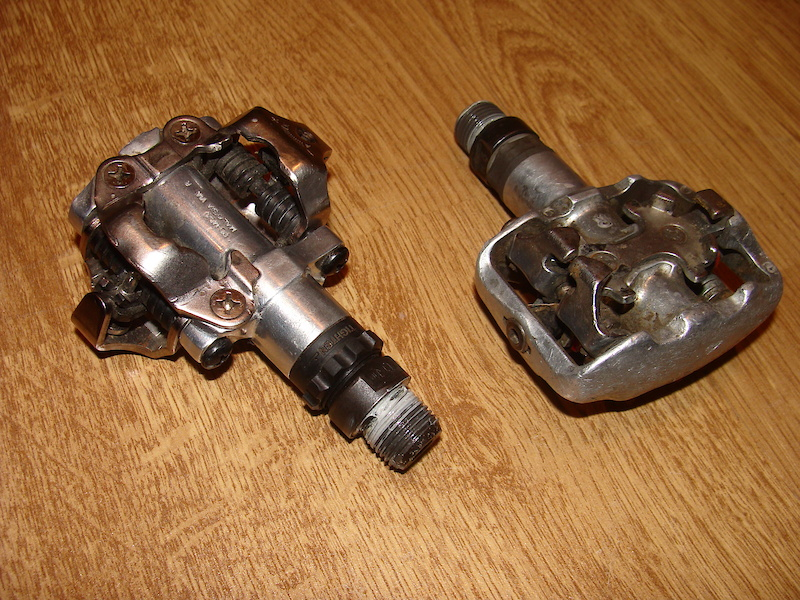 Shimano PD-M520 and some no-name