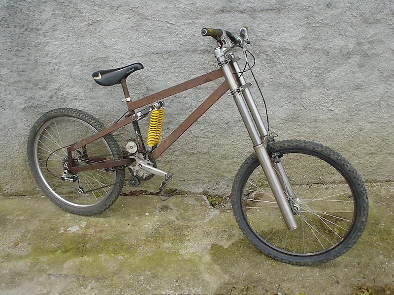 Bike para a época de 2011 haha (foto tirada da net)