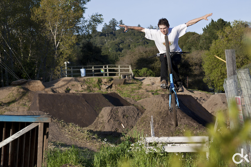 Howey follows Guy with a tuck no-hander. Who says you need big and fresh jumps to have some fun?