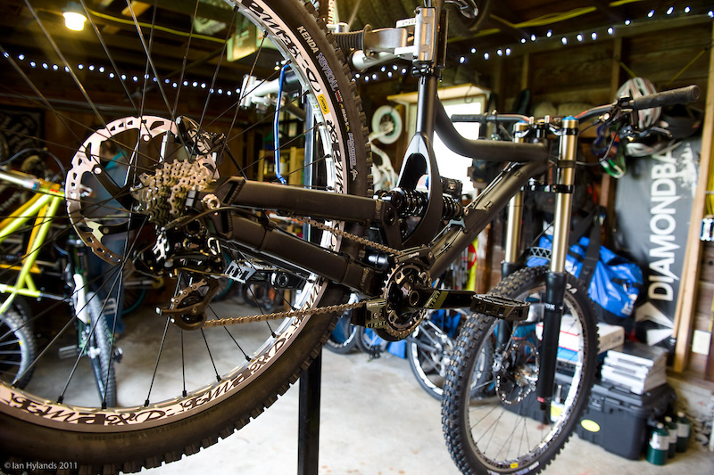 Diamondback isn't shy about stating that they are aiming to put together a full-on downhill race bike for those looking to go from point A to point B as fast as possible. With that in mind, they are focusing on the two main attributes of any successful race bike: sorted geometry and suspension that is tuned to tackle tracks at race speed. This first generation prototype is likely to see many changes by the time version two is released, including different tube shapes and revised geometry. Diamondback isn't sure how many different test mules it will take before they are happy, but they are more concerned about making the bike a winner than making it available to the public anytime soon. It is likely to be a 2013 model when the time does come.