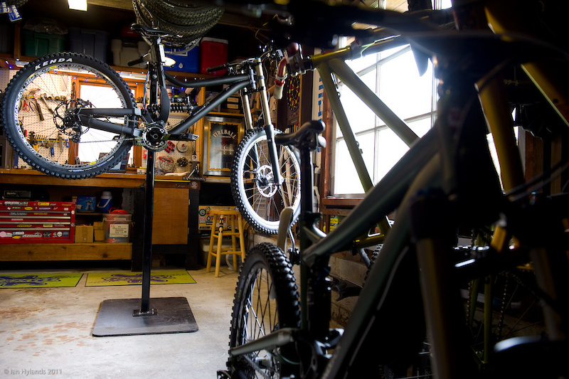 Possibly the best man-cave that I've ever visited, Jon's shop is set up with everything that he needs to work on bikes, including a fully stocked beer fridge and a selection of tools that would make most shops blush. Add in a stable of mountain bikes for any occasion and you have a place that most of us would love to pass the time in.