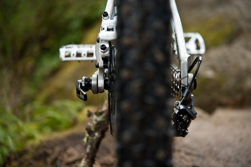 The Scratch's Active Braking Pivot (ABP) allows the rear pivot to rotate concentrically around the axle which, Trek says, allows the bike to remain active under braking.