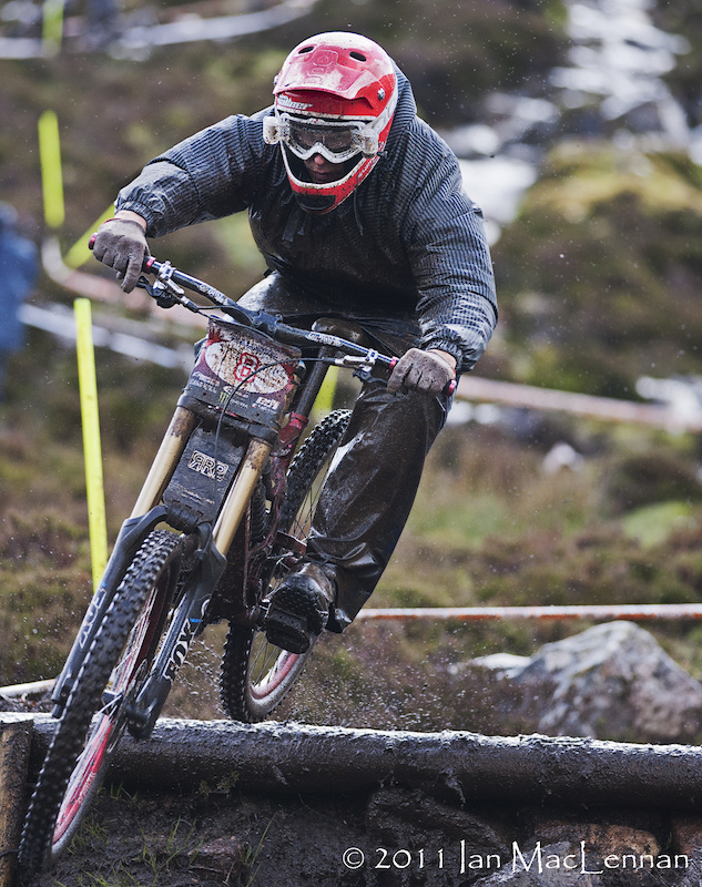 Sweden in the house, Robin Wallner getting warmed up for Fort William