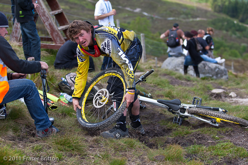There are actually two pits at Fort William. The first is at the bottom of the hill, but there's also a marshal who sits at the deer gate with inner tubes and spares to help riders struck by a puncture to get to the bottom of the hill.