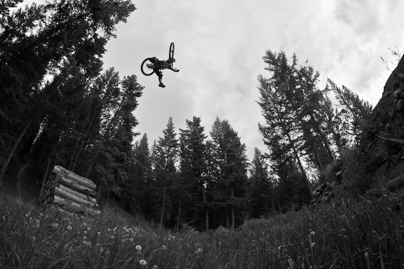 Brad invited us to shoot a day of shredding in his world class back yard. Look out for the video coming this week.