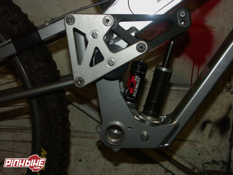 linkage of the bb7 showing the drive roller and shock mountings. bb7