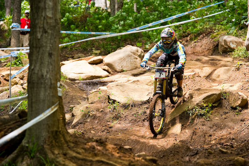 Emmeline Ragot may not be able to walk down the track courtesy of a battered knee but she can damn well ride it coming home eighth on the day.
