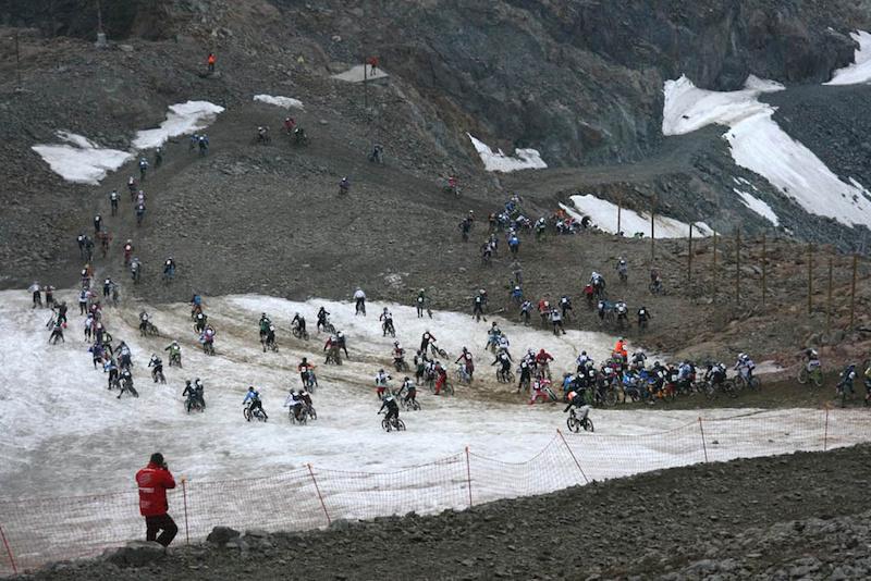Mega Avalanche Alpe d Huez