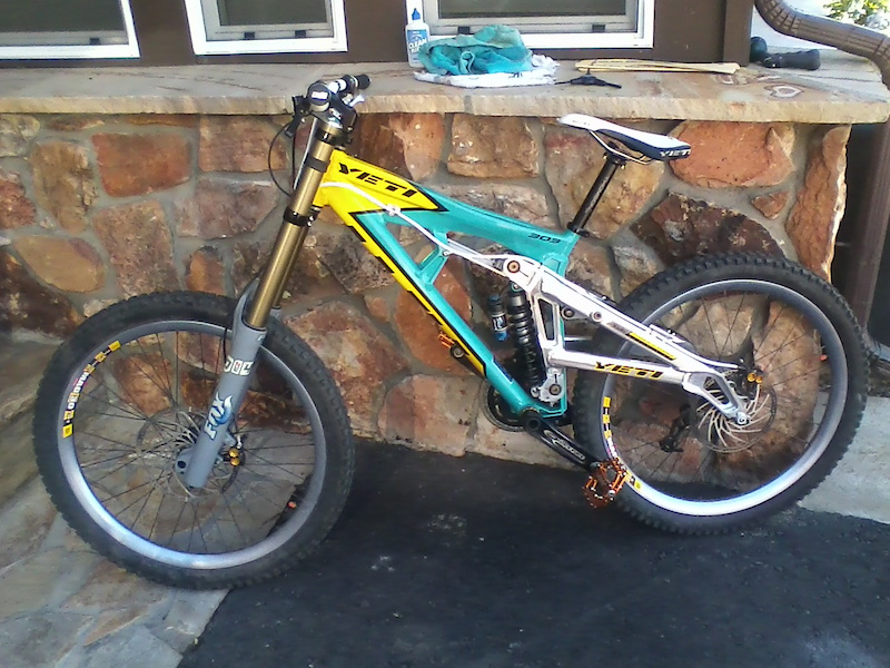 Yeti 303 DH Special Project