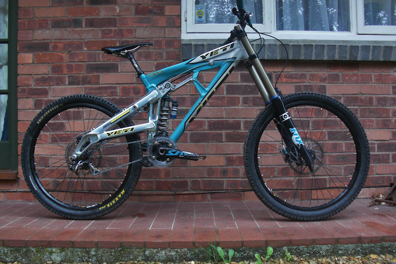 Yeti nearly done just neeeds new stanchion and fork serviced now