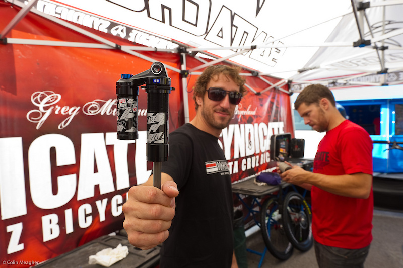 The amazing thing about this rear shock that SRAM blackbox specialist Jon Cancellier is delivering to the Syndicate boys is that it s exactly 12.552 seconds faster than the one used for qualifying. However it needed to be another 6.974 seconds faster to beat out the unbelievable Aaron Gwin.