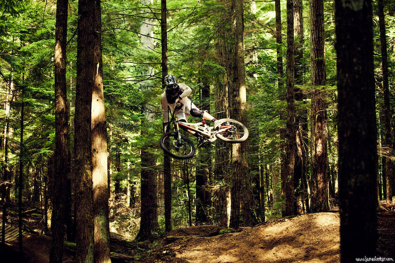 Moto whips have become a bit of a phenomenon, Jamie shows us what his is all about.