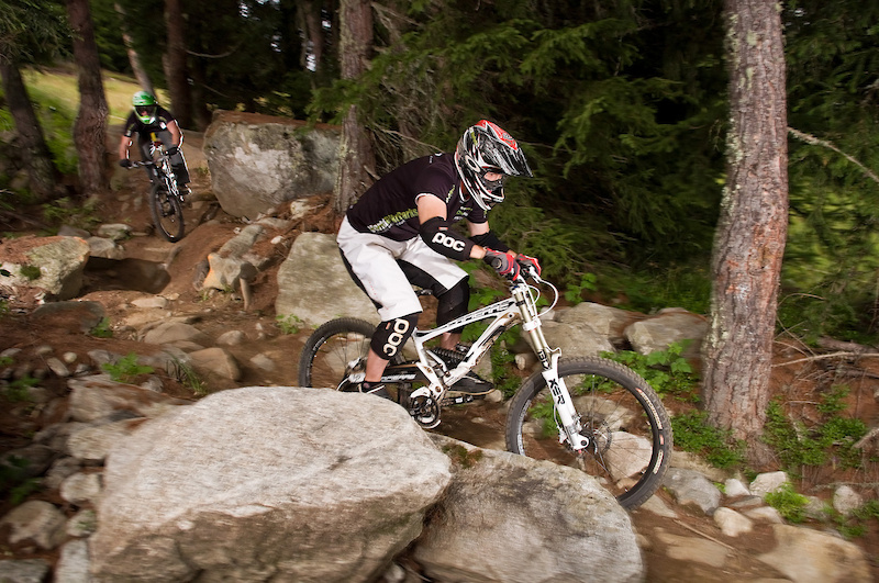 David Scorer and Dan Smith pick their way between the rocks on the downhill course.