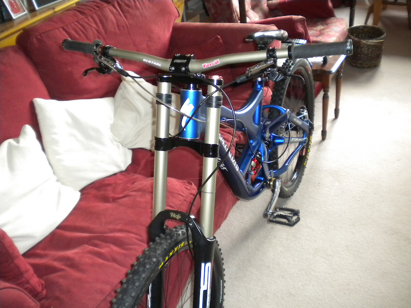 2010 Specialized Demo 8 Full BOS Xt Xtr Ztr Flows Renthal Bars CX Ray Spokes. 36.6lbs