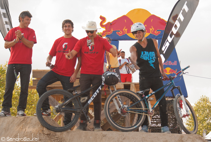 Dirt Jump mtb competition results 1 Xavier Pasamonte 2 Nuno Barroso 3 Martxel Arribillaga