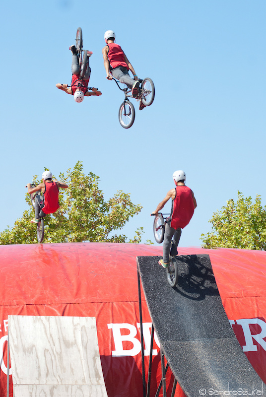 Frontflip on the airbag at the festibike 2011