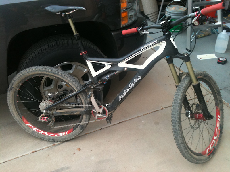 I know my garage is dirty at the moment... But here s the enduro as it sits. Put a Thomson 50 ml stem and some more meaty tires I think I m just going to sell this and build up an S-works Epic I realized I didn t need two nice rigs especially not here in phx...
