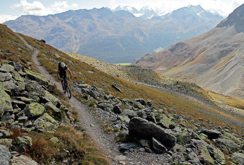 Approaching Suvretta Pass