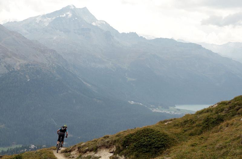 The lift-served Alp Nova trail off the Chanteralla lift