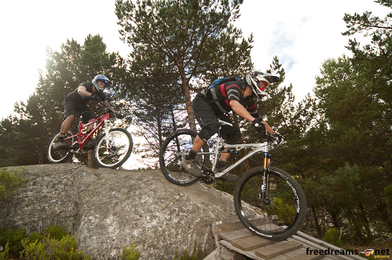 Sam Burkhard and Kevin Stephen shredding at Manzaneda Bike Park