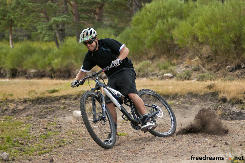 Javi Molina from XMS Imports Spain testing the new Bandit 29er
