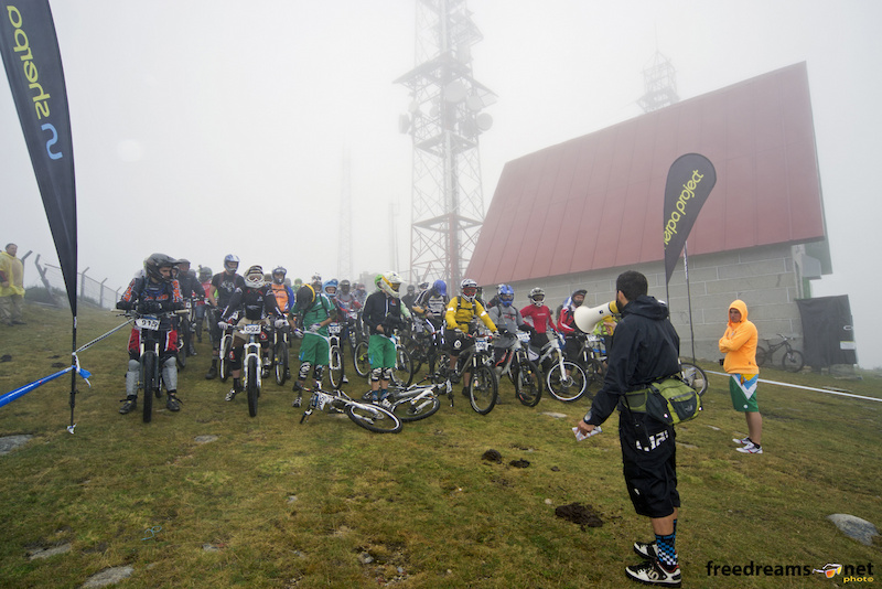 All Big riders on top of Manzaneda Bike Park waiting for Guti Martin to say the key words 3 2 1 Avalaaancha