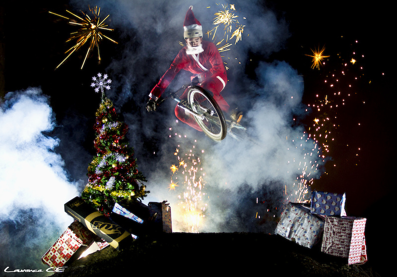 Wishing you all a very Merry Christmas this year. Bike Santa making the extra effort to delivery your bicycle related presents this 2011 - Laurence CE - www.laurence-ce.com - Ps. No Photoshop.