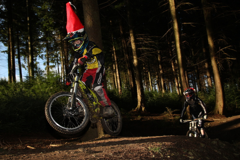 Harry Riding his new custom scott spark Jnr 20 for the first time at the Pearce Cycles christmas uplift