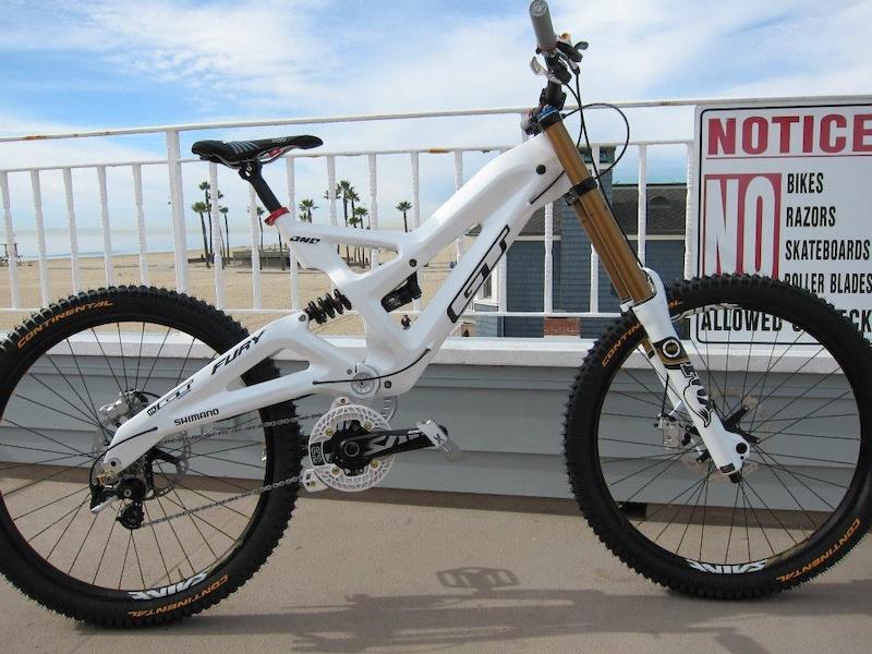 Gee's GT Fury bike build!