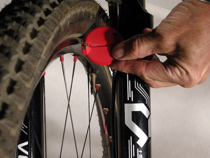 checking runout with spoke wrench