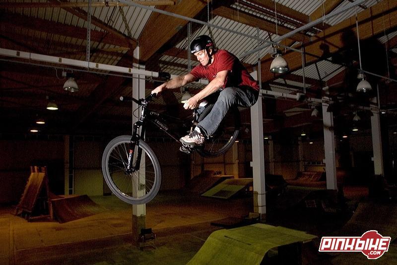 Trond hitting the skatepark in 2006.
