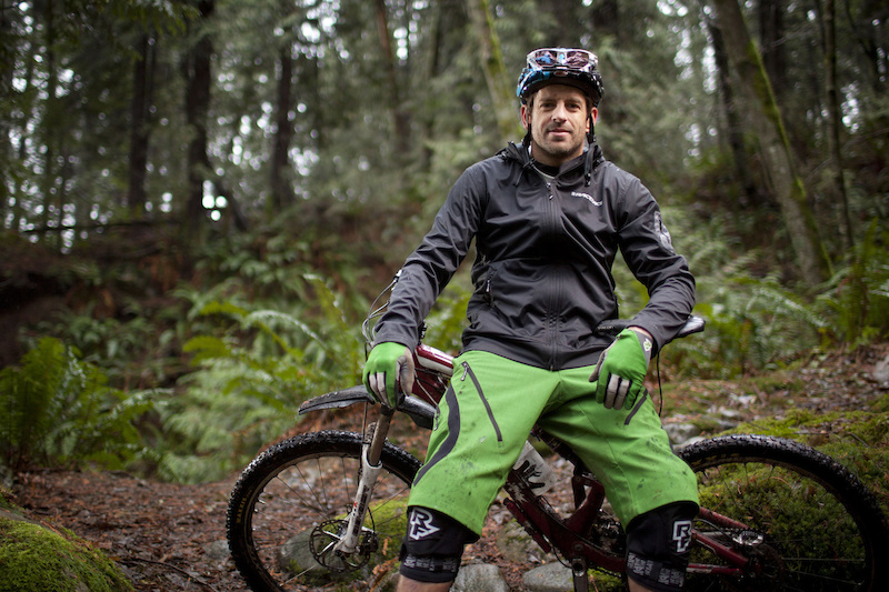 Wade Simmons January 2012 signs clothing deal with RaceFace