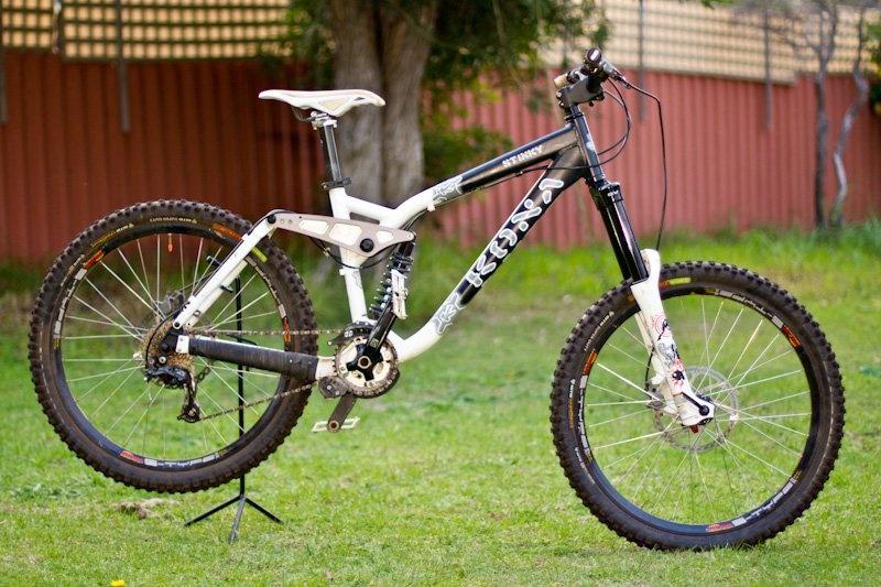 Compro bike de dh qual quer uma dou ate 500 euros