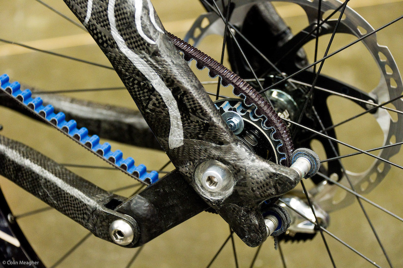 The business side of the bike--the left side--is where you find the belt. And you no doubt already noted that the brake is on the right hand side